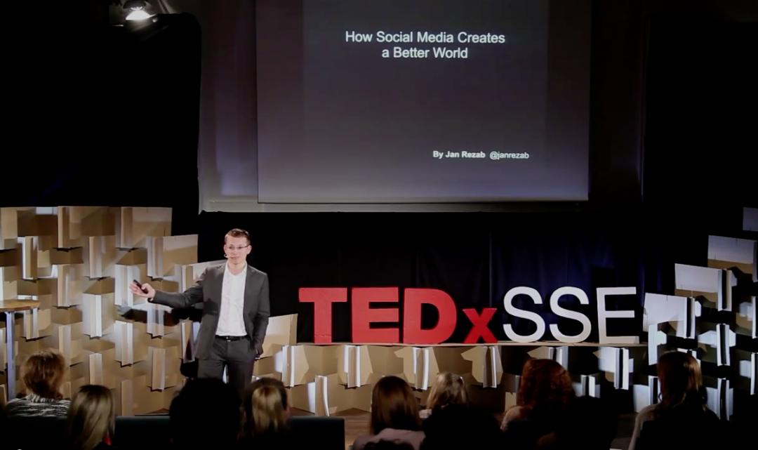 Honza Řežáb z TEDx: Jak sociální média dělají svět lepším