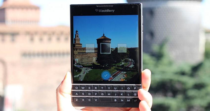 Samsung si dělá chutě na Blackberry. Podaří se nákup za 179 miliard korun?