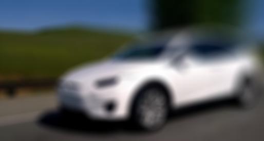 Video: Nový tajný model Tesly zachycen na dálnici