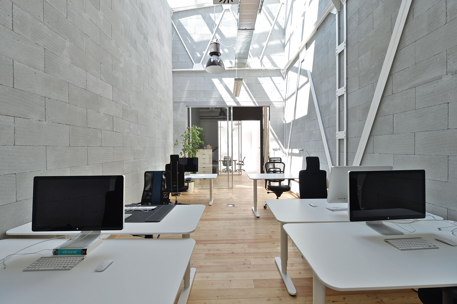 apiary-prague-office-1