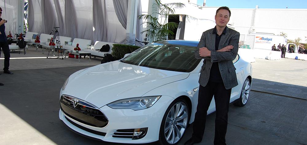 Neuvěřitelný pohled do života a geniální mysli Elona Muska, který stojí za úspěchem Tesly a SpaceX