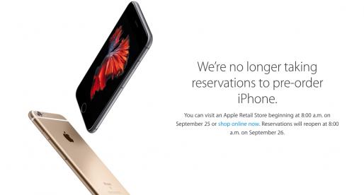 Apple za necelých 11 dní kompletně vyprodal nejnovější verzi iPhonu. Na další si počkáme