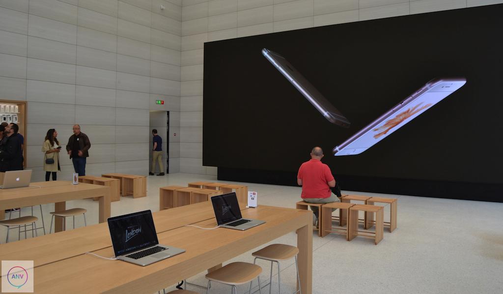 Podívejte se na nový design Apple obchodů, na kterém se podílel samotný Jony Ive