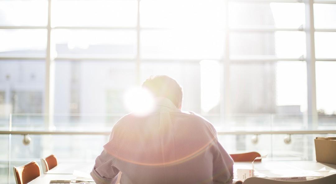 8 úspěšných internetových podnikatelů, kteří nedodělali vysokou školu, ale přesto vydělali miliardy