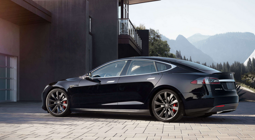 Tesla již za pár dní vydá nejzásadnější update ve své historii. Co bude nakonec součástí?