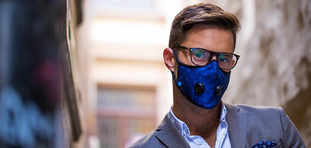 Tahle módní dýchací rouška vybrala na Kickstarteru za pár hodin přes půl milionu Kč