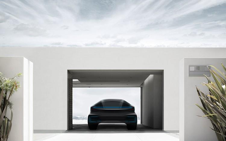Tajemný konkurent Tesly zveřejnil první reklamu na svůj přelomový elektromobil!