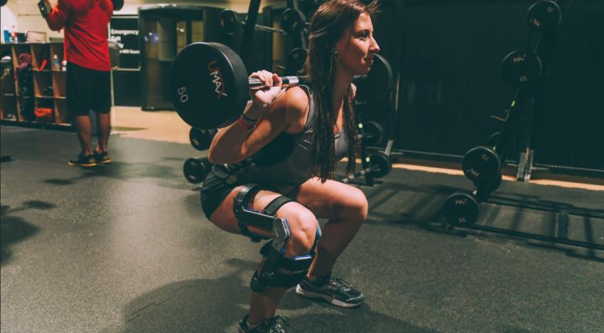 Tvůrci unikátní bionické podpory kolene vybrali v kampani za 19 hodin přes milion korun
