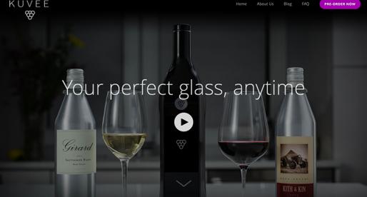 Tato chytrá láhev na víno získala 150 milionovou investici a první várku vyprodala za 3 hodiny