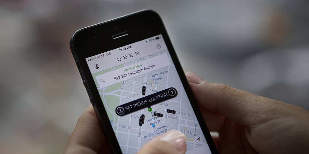 Čeští řidiči Uberu budou nuceni používat EET, u zkoušek z místopisu ale polovina neuspěje