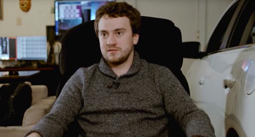 Hacker, který se jako první naboural do iPhonu, získal miliony pro svůj projekt autonomních vozidel