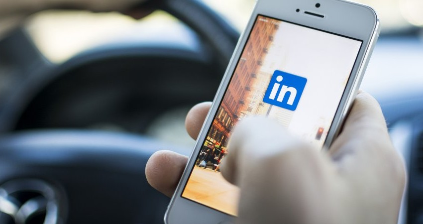 Microsoft potvrzuje nákup profesní sociální sítě LinkedIn za 627 miliard korun v hotovosti