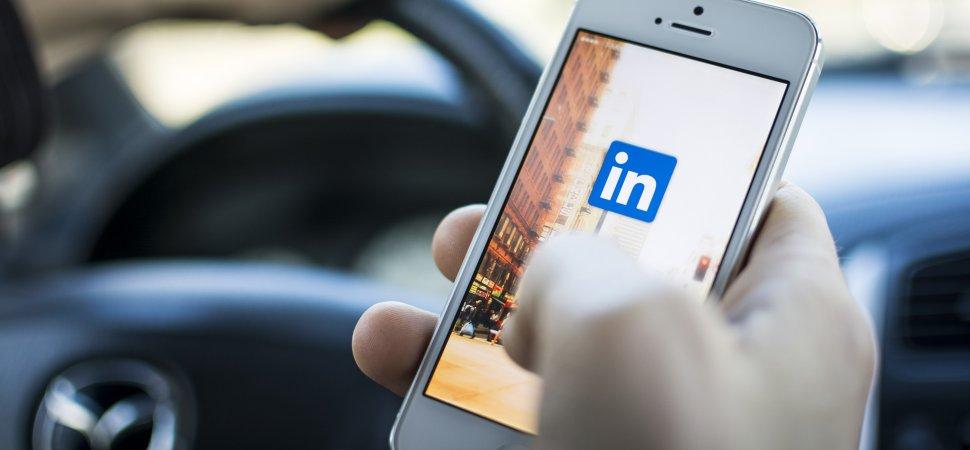 LinkedIn bez souhlasu využil 18 milionů e-mailových adres pro cílenou reklamu na Facebooku
