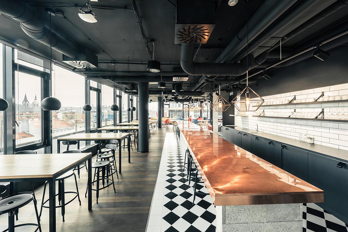Kuchyně a bar