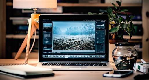 Nový Macbook Pro nebude mít možná po vzoru iPhonu jack konektor pro sluchátka