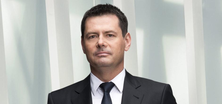 Český miliardář Karel Komárek investuje s čínským Foxconnem miliardy do technologických firem