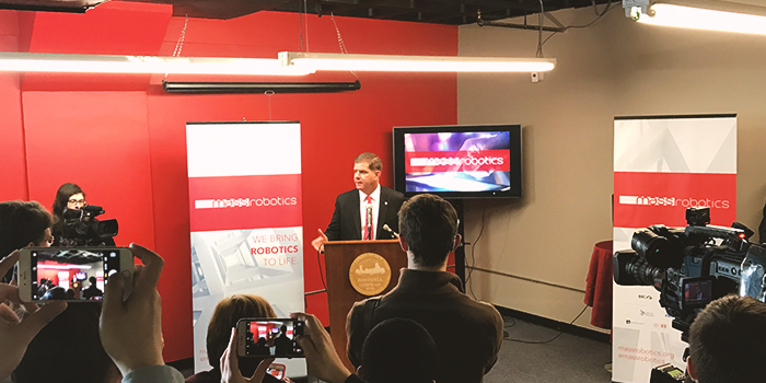 Podporu MassRobotics vyjádřil i Martin J. Walsh, starosta Bostonu.