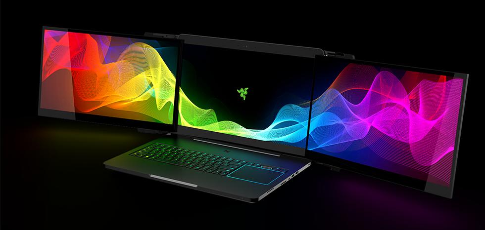 Podívejte se na nadupaný herní notebook se třemi displeji, který se u nás možná brzy začne prodávat