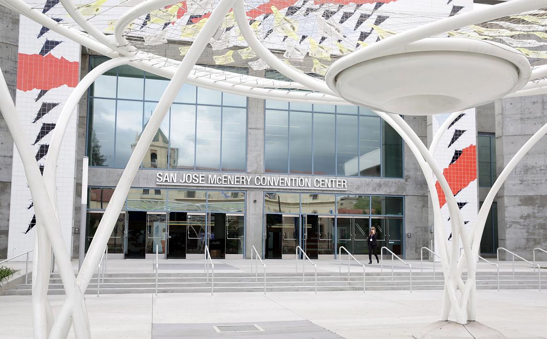 San Jose McEnery Convention Center bylo tradiční místo pro WWDC od roku 1988 do roku 2002.