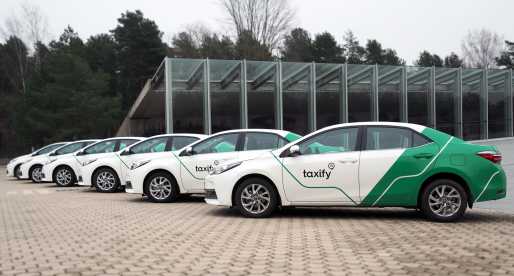 Taxify expanduje do Paříže