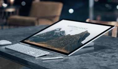 SurfaceHome_6_FeaturePivotPanel_1_us_V1-new