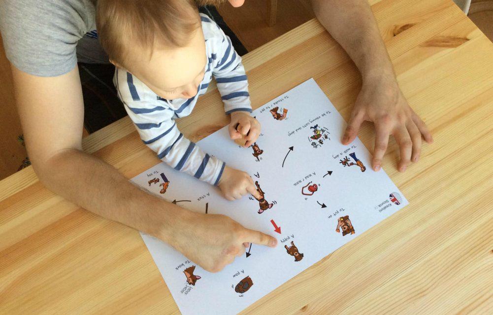 Olomoučtí učitelé vytvořili dětský vizuální slovník pro výuku cizího jazyka od raného věku