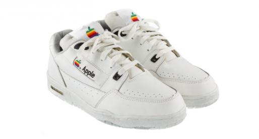 Originální boty od Applu je nyní možné zakoupit na online aukci