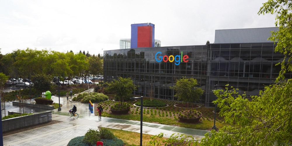 Google má zaplatit rekordní pokutu ve výši 63 miliard za zvýhodňování svého srovnávače eshopů