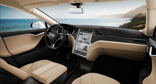 Tesla zvažuje spuštění vlastní služby na streaming hudby ve svých elektromobilech