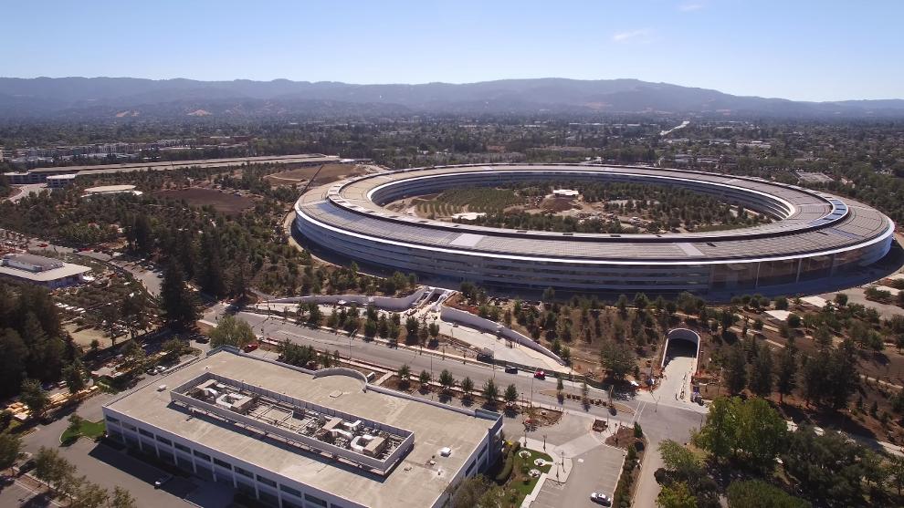 K novému ústředí Apple Park bude zaměstnance Applu dopravovat samořídící minibus