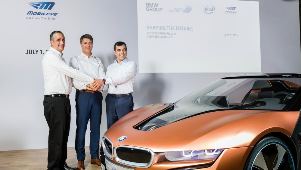 Intel spolu s firmou Mobileye ještě letos vyrobí a vypustí stovku samořídících vozů
