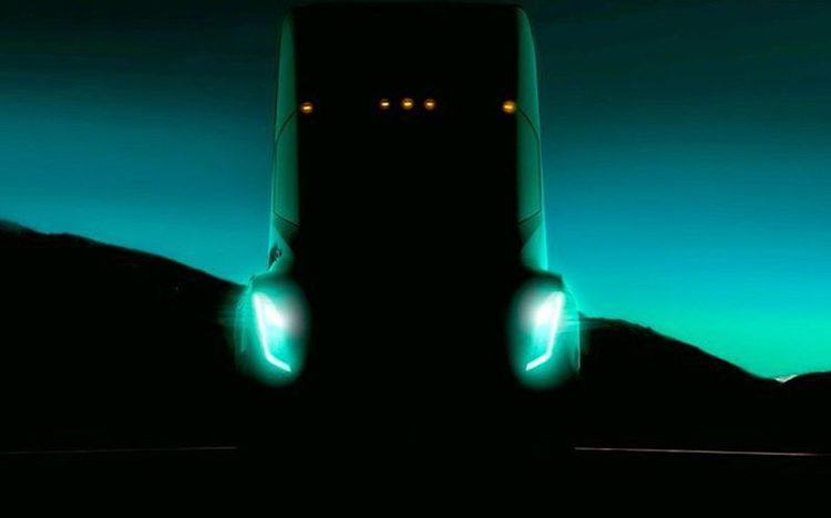 Připravovaný elektrický kamion od Tesly údajně ujede až 482 km na jedno nabití