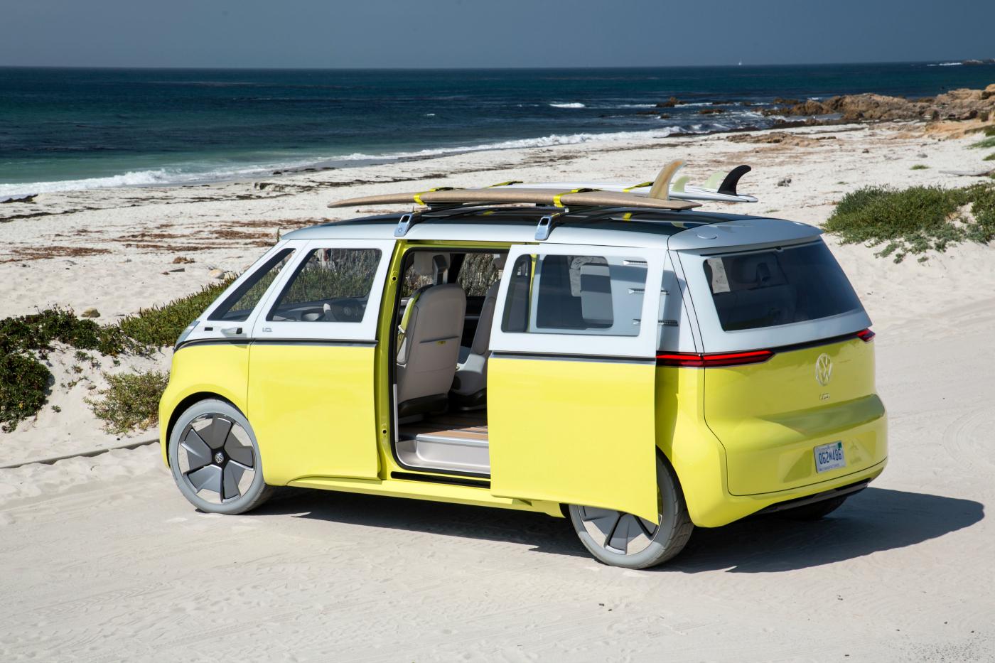 I.D. Buzz má mít kombinovaný výkon 275 kW, rozjezd z 0–100 km/h za 5,3 vteřin a dojezd na jedno nabití až 600 km