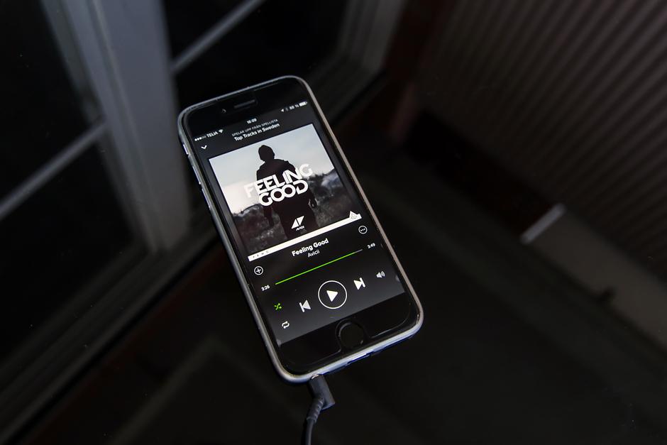 Spotify spustilo novinku, pomocí které lze sdílet a přehrávat hudbu přímo v rozhraní iMessage