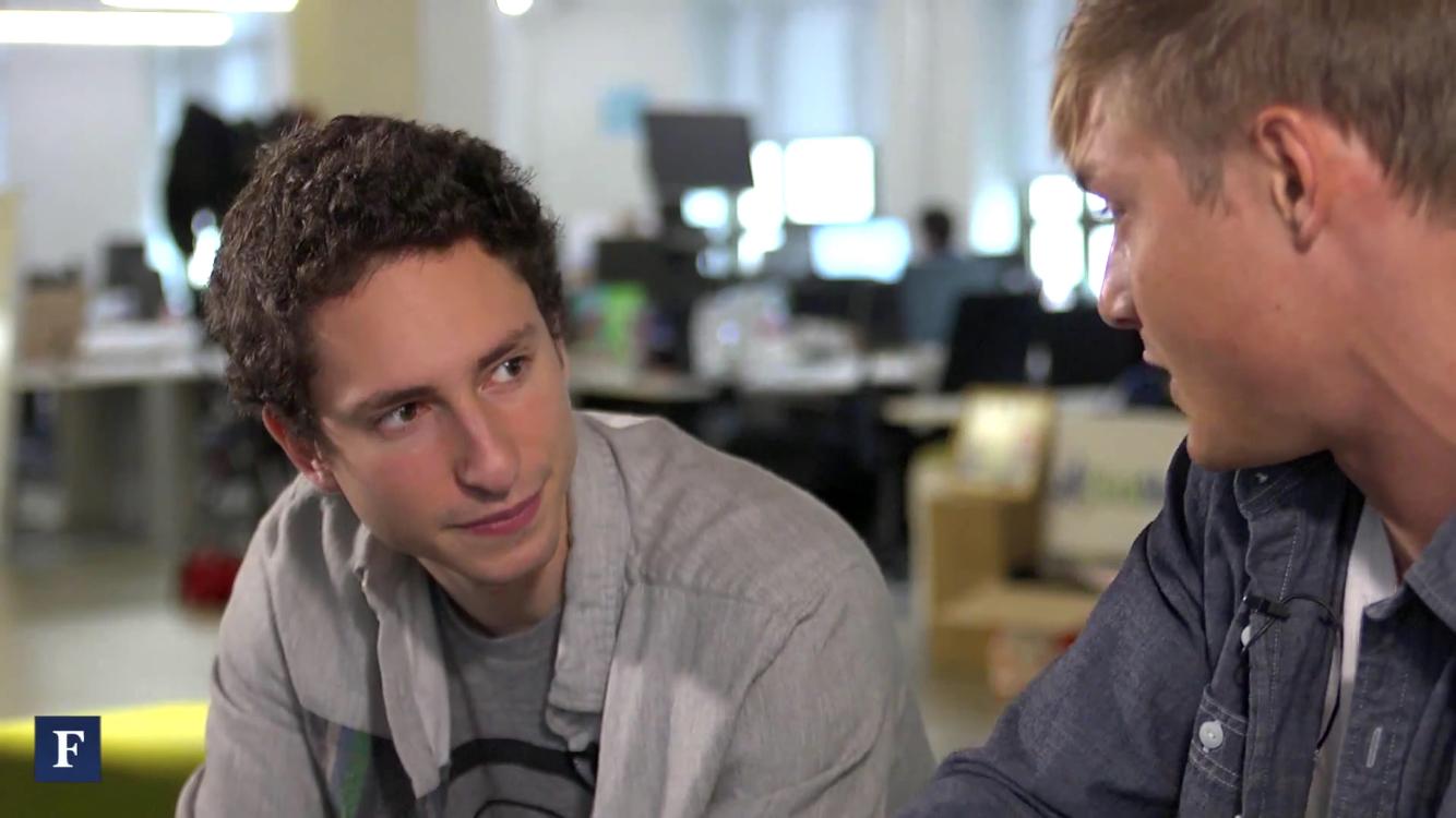 Erik Torenberg, zakladatel seed fondu Village Global (napravo z profilu Ryan Hoover, zakladatel služby Product Hunt a Torenbergův dlouholetý parťák)