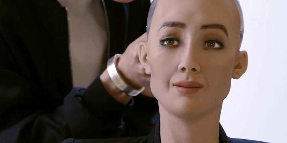 Saudská Arábie udělila občanství robotovi Sophia