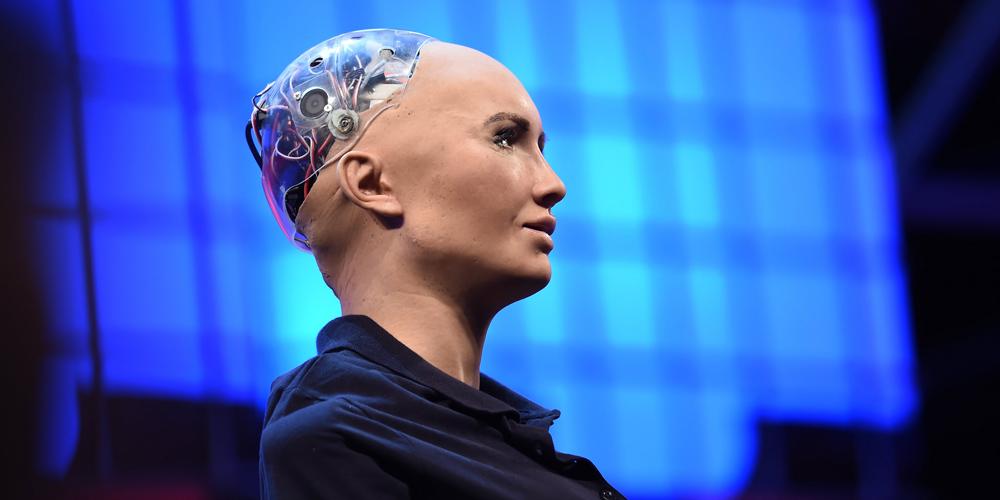 """Roboti na Web Summitu: """"Nezničíme vás, jen vám vezmeme práci"""""""