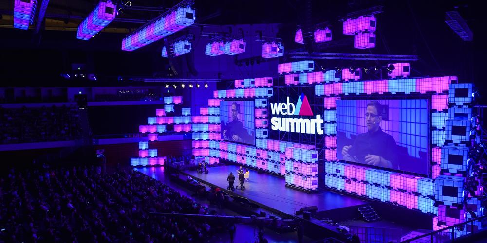 """Na Web Summitu se představil český Avast, prezident Microsoftu volal po """"digitální ženevské konvenci"""""""