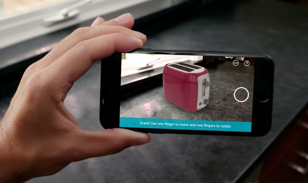 Nová aplikace od Amazonu vám díky rozšířené realitě umožní virtuálně umístit produkty ve vaší domácnosti