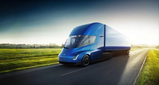 Americký obchodní řetězec Walmart si objednal už 15 elektrických kamionů Tesly