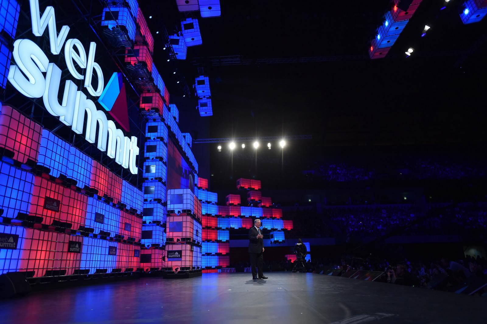 Al Gore v závěrečném projevu na Web Summitu
