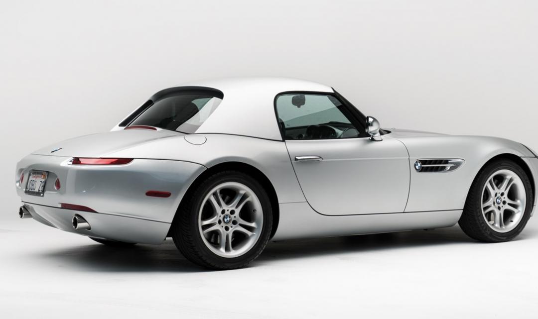 Do aukce míří originální BMW Z8, jehož původním majitelem byl Steve Jobs