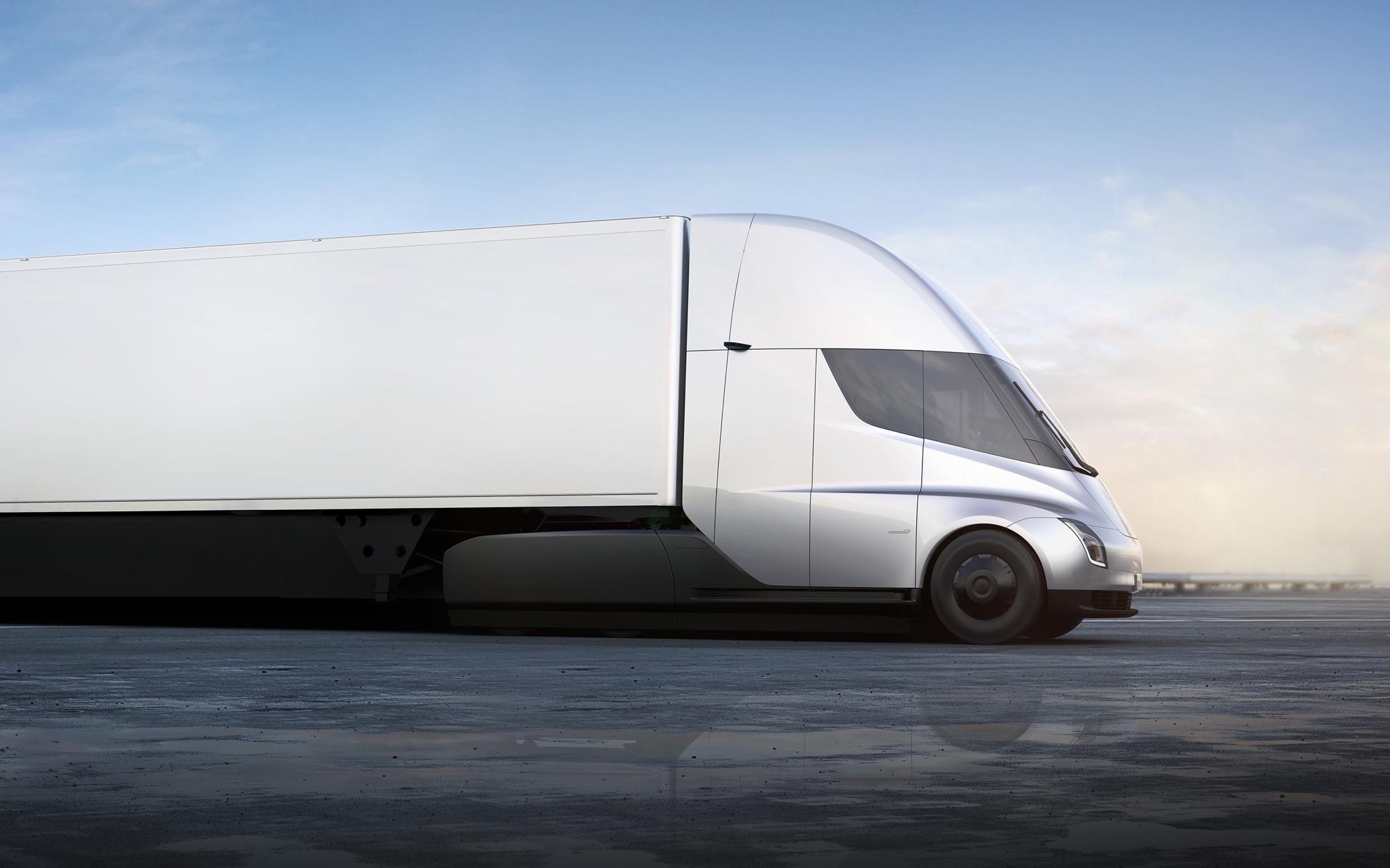 Kamiony Semi dokáží s plným, 40tunovým nákladem zrychlit z 0 na přibližně 100 km/h za 20 vteřin