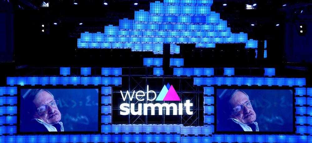 Odstartoval monumentální Web Summit. První večer promluvil i Stephen Hawking