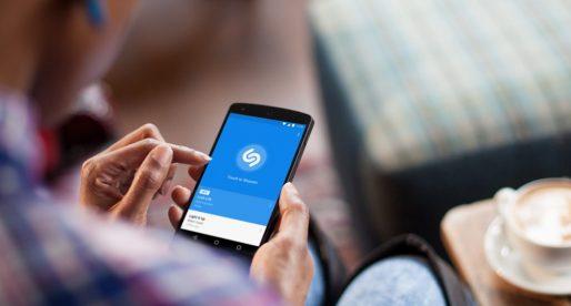 EU začíná vyšetřovat nákup hudební aplikace Shazam Applem. Znevýhodňoval by Spotify