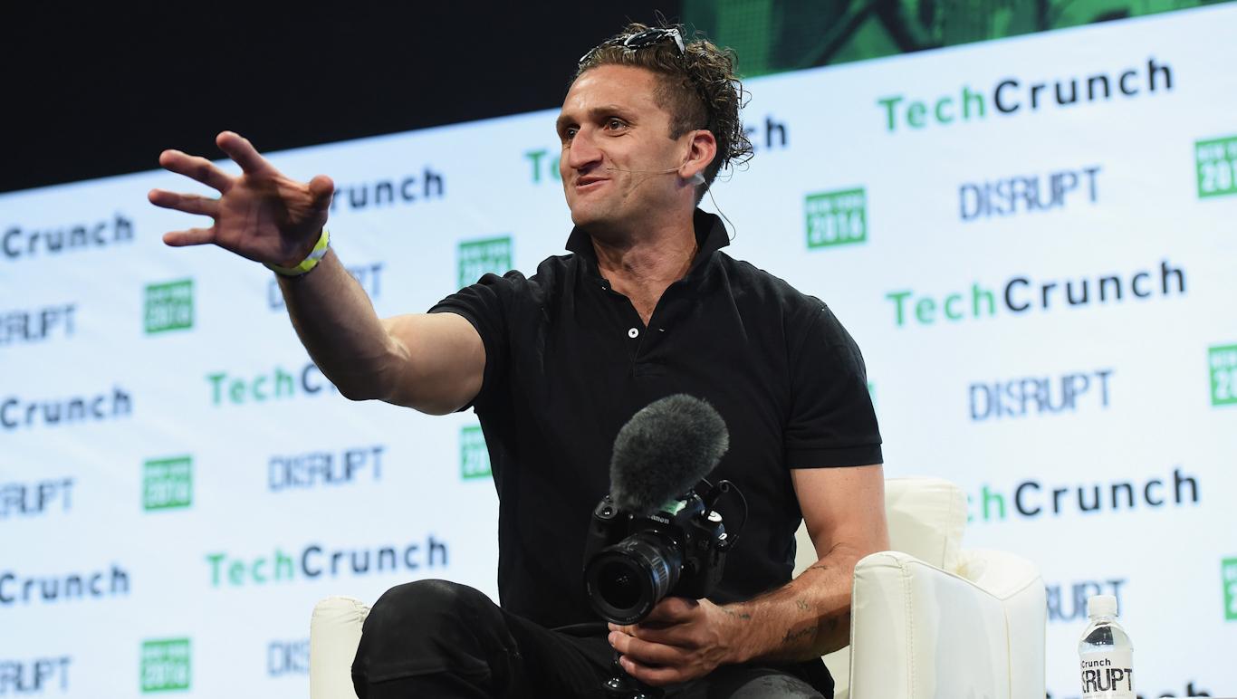 Newyorský youtuber Casey Neistat na konferenci TechCrunch Disrupt v roce 2016