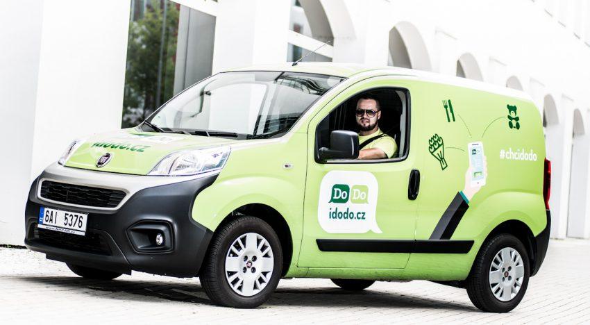 """SMS"" donáškový startup DoDo loni odbavil přes 100 tisíc objednávek a zdvojnásobil počet kurýrů"