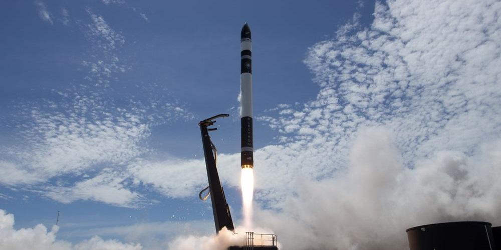 Nový hráč ve vesmírném byznysu: startup Rocket Lab poprvé vypustil raketu na orbit