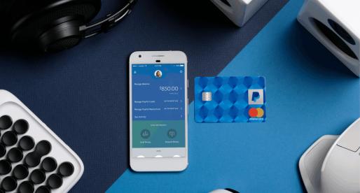 PayPal začal vydávat debetní karty, které umožňují výběr z bankomatů či vklady hotovosti