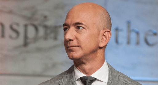 Šéf Amazonu Jeff Bezos věnoval prvních téměř 100 milionů dolarů na boj s bezdomovectvím